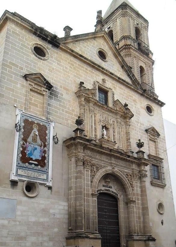 Fachada de la basilica