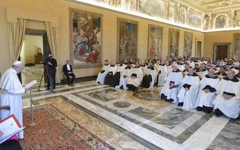 Papa Francisco con el Capitulo General